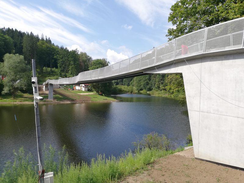 Zagorze-Slaskie-kladka-ujednolicanie-betonu-4
